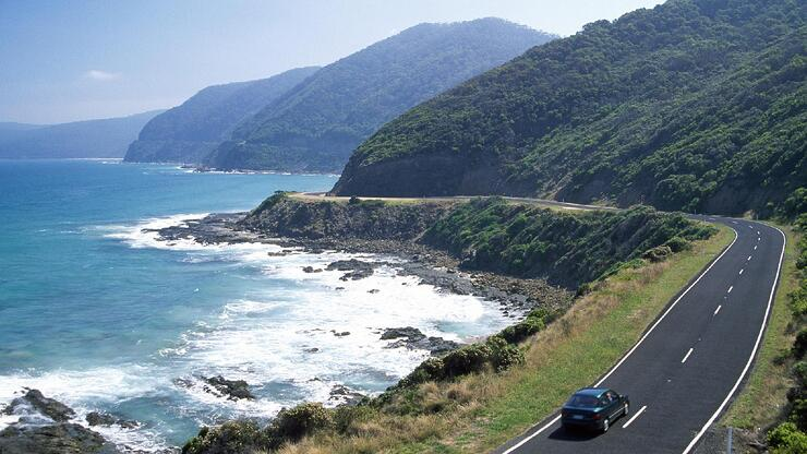 Great Ocean Road driving.jpg